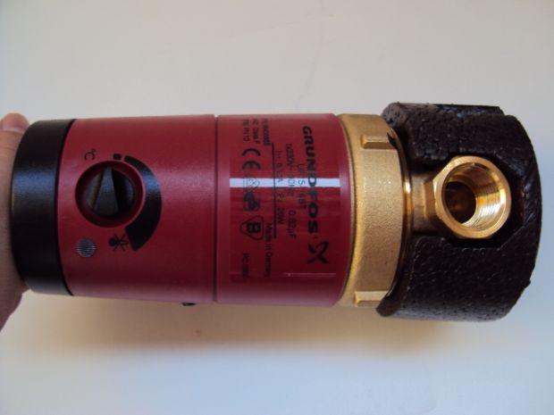 温度控制器就会控制水泵运转